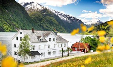 Fjærland Fjordstue, Vestlandet, Norge, En hotellomtale
