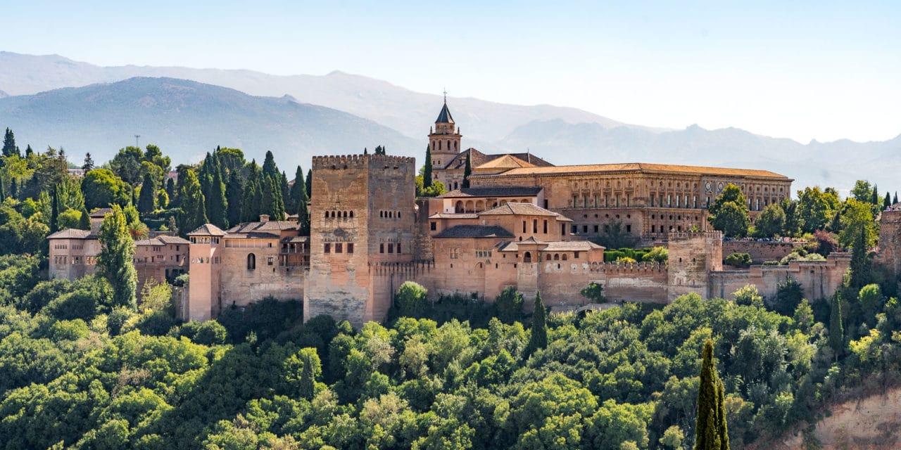 Fantastiske Alhambra i Granada, Spania