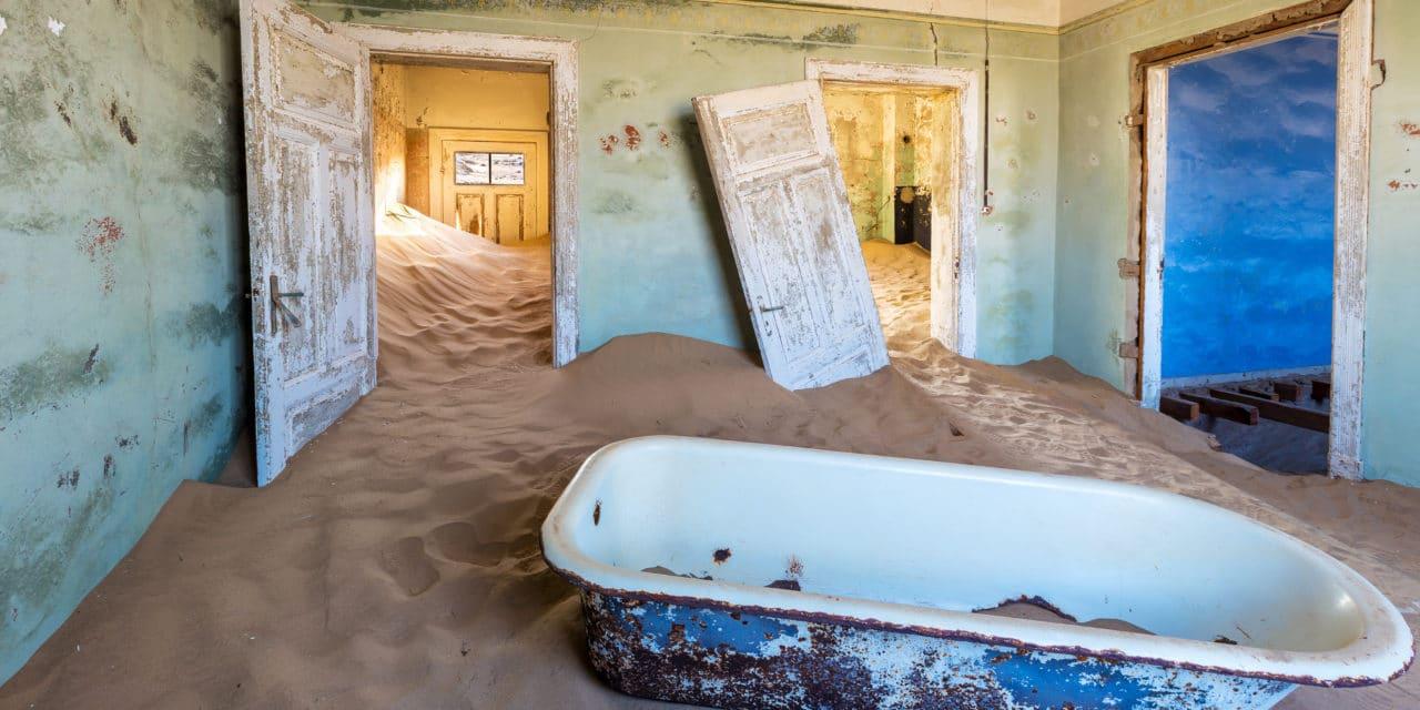 Spøkelsesbyen Kolmanskop i Namibia